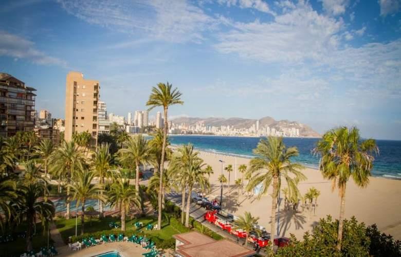 Gran Hotel Delfin - Beach - 26