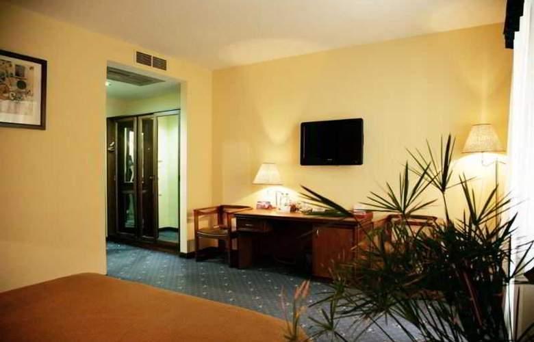 Ararat Hotel - Room - 6