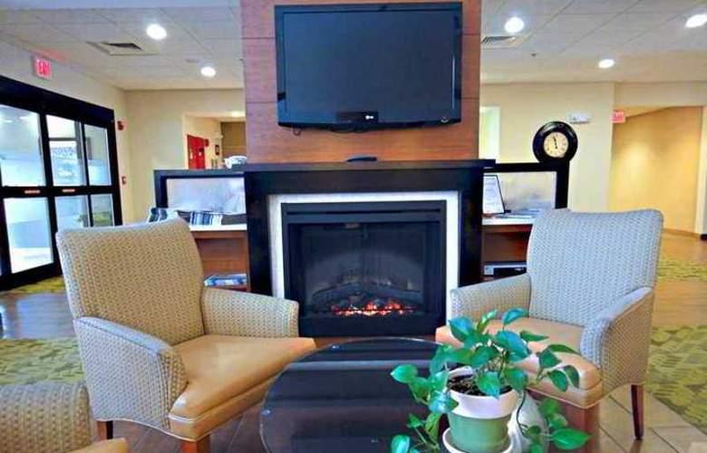 Hampton Inn & Suites Tilton - Hotel - 2