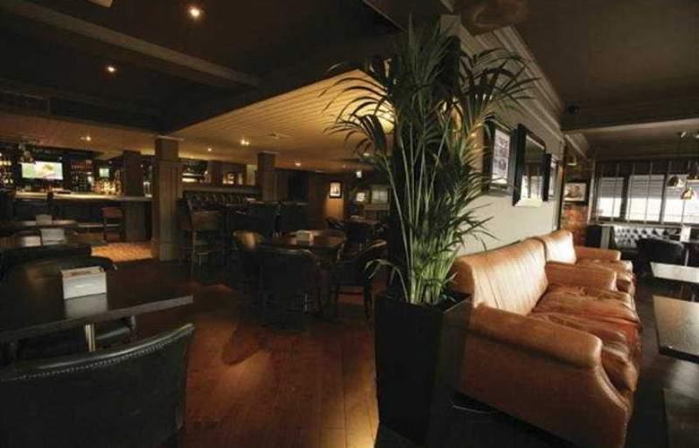 Village Cardiff - Hotel & Leisure Club - Bar - 5