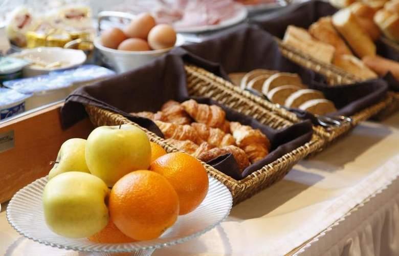 Best Western Athenee - Restaurant - 35