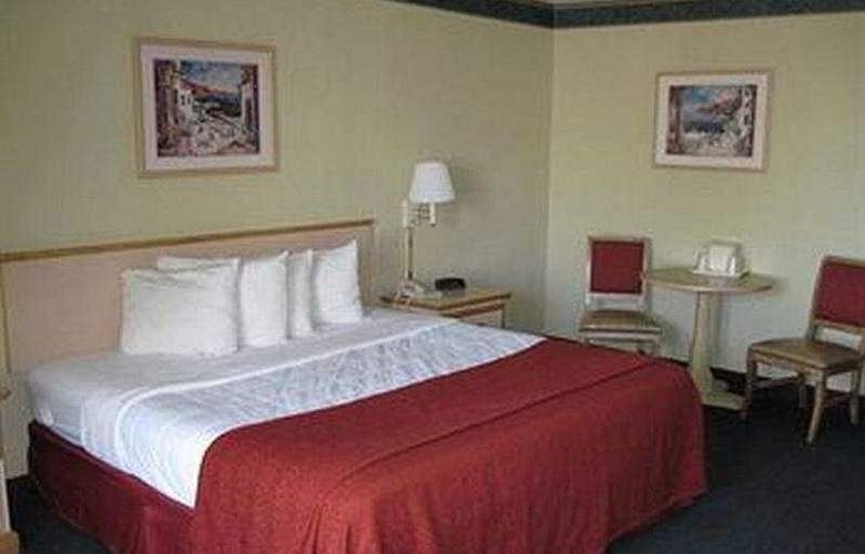 Heritage Park Inn - Room - 0