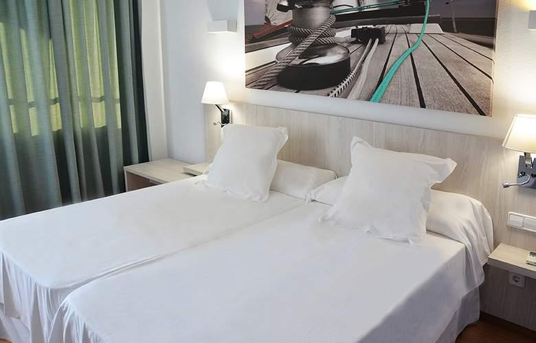 Playasol Tivoli - Room - 10