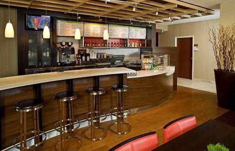 Courtyard Jacksonville Butler Boulevard - Hotel - 20
