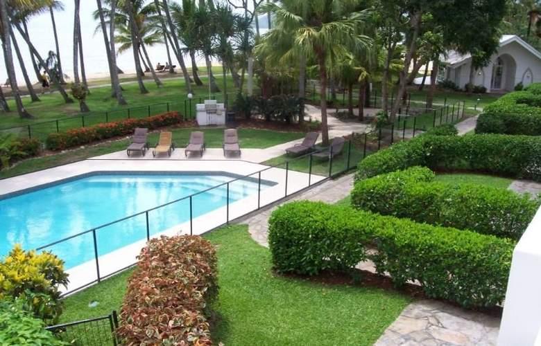 Alamanda Palm Cove by Lancemore - Pool - 15