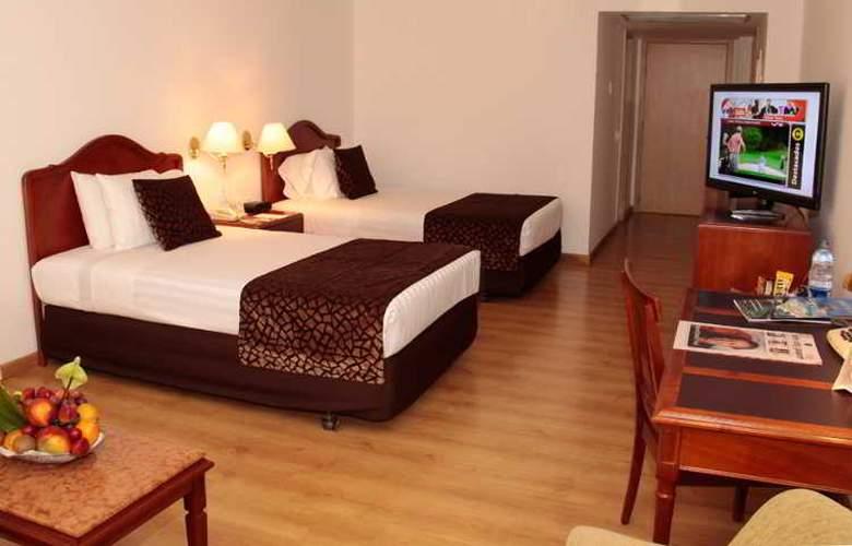 Poblado Plaza - Room - 13