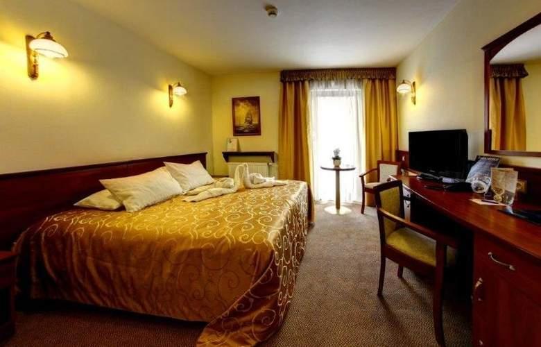 Conrad - Room - 2