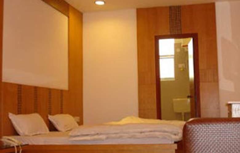Mandakini Plaza Kanpur - Room - 3