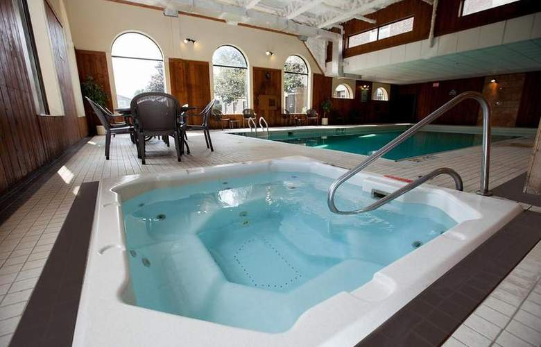 Best Western Glengarry Hotel - Pool - 83
