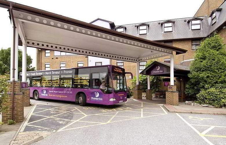 Premier Inn Gatwick Airport Central - General - 2