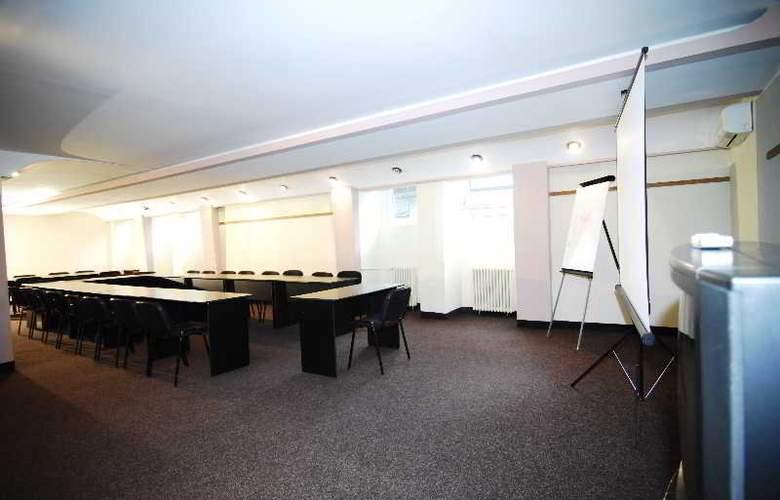 Silva Busteni - Conference - 7