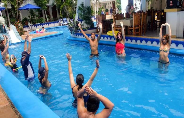 Club Fiesta Mexicana Beach - Pool - 21