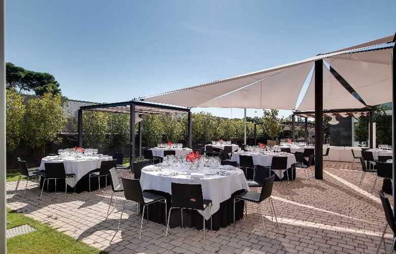 Rafaelhoteles Forum Alcala - Terrace - 55