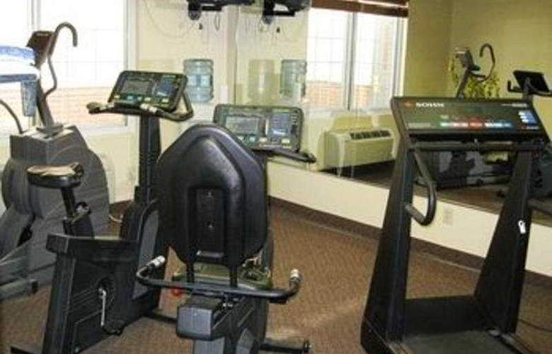 Country Inn & Suites DFW South Airport - Sport - 3