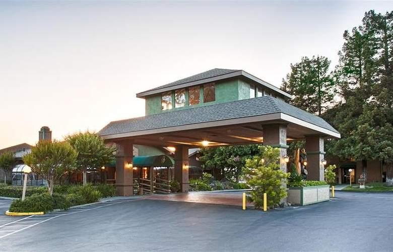 Best Western Plus Forest Park Inn - Hotel - 18