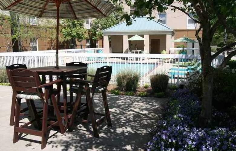 Hampton Inn & Suites Memphis-Shady Grove - Hotel - 1