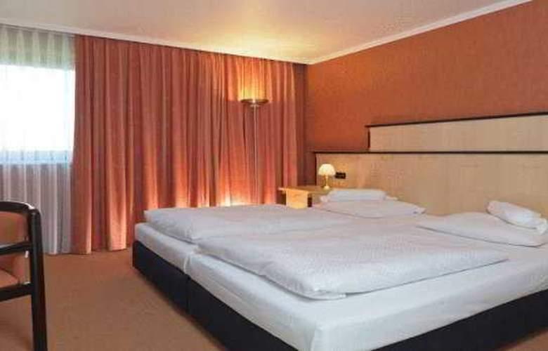 Arvena Park - Room - 9