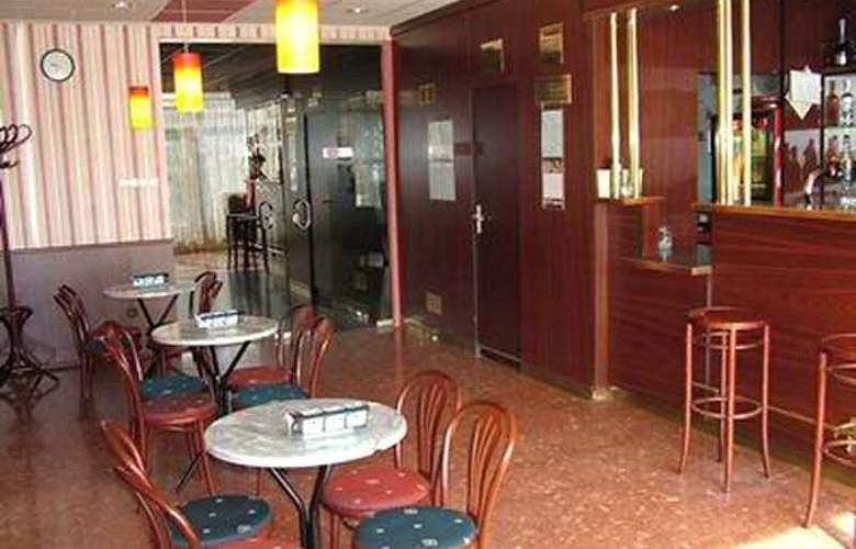 Gerand Hotel Touring Basic - Bar - 2