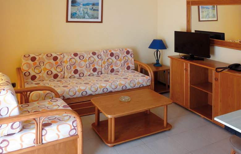 Club Caleta Dorada - Room - 9