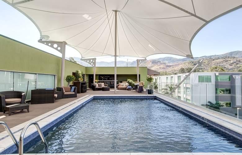 Studio Hotel - Pool - 2