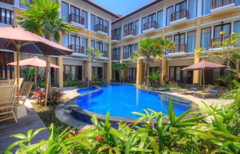 Celyn City Hotel - Pool - 10
