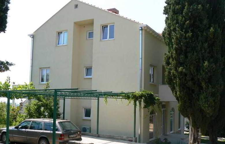 Apartments Zecevic - Hotel - 2