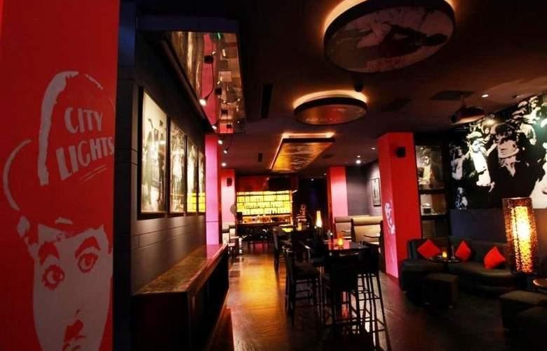 Crowne Plaza Shanghai - Bar - 7