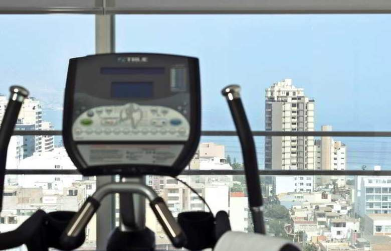 Dazzler Lima - Sport - 4