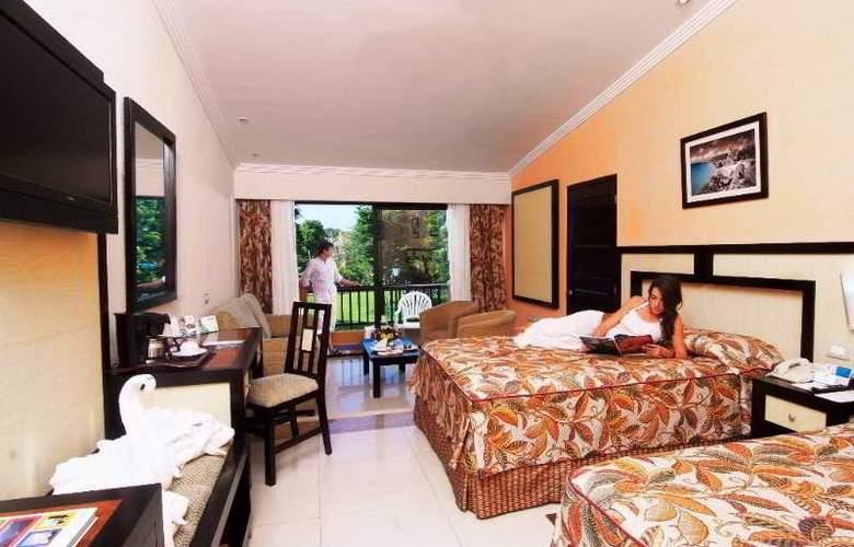 Sandos Playacar Beach Experience Resort - Room - 11