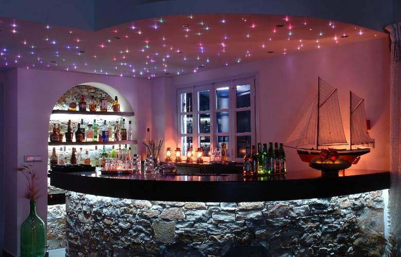 Vrahos Boutique Hotel - Bar - 3