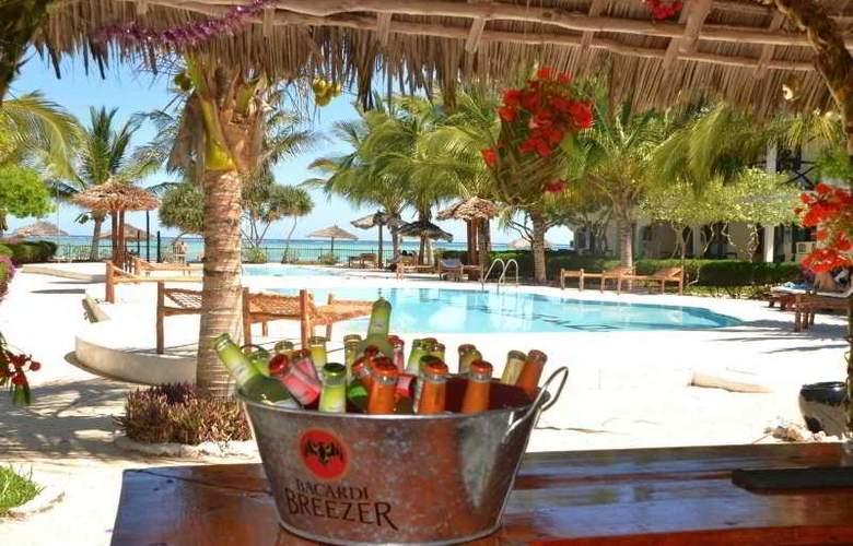 La Madrugada Beach Hotel & Resort - Bar - 3
