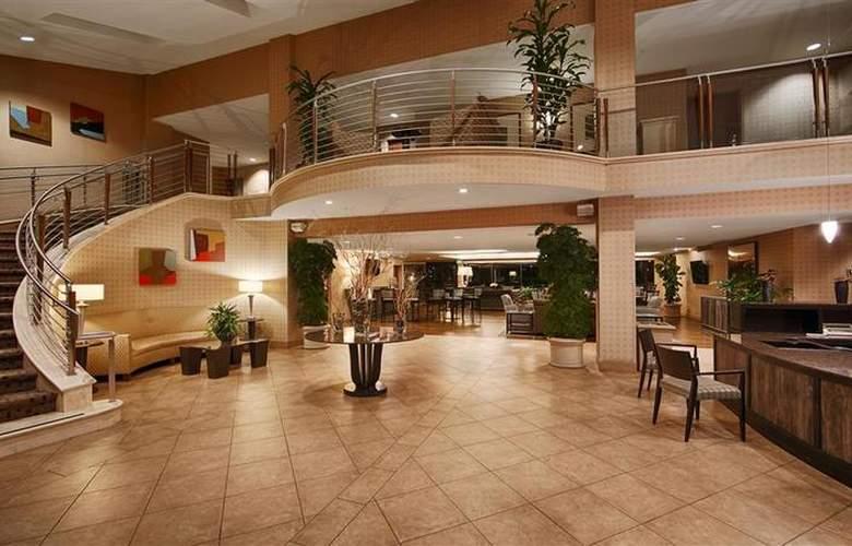 Best Western Plus Bayside Hotel - General - 24