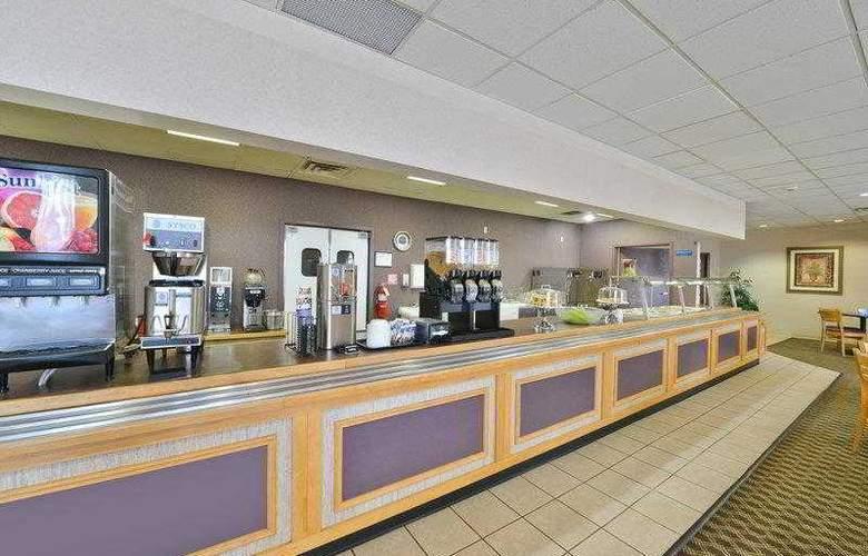 Best Western Holiday Plaza - Hotel - 25