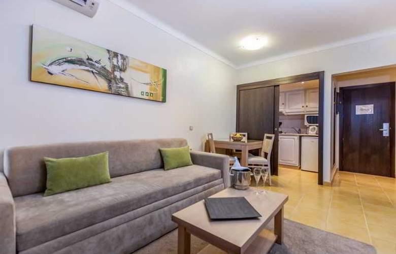 Santa Eulália Hotel Apartamento & Spa - Room - 12