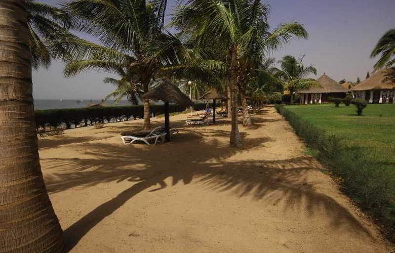 Royam Saly - Beach - 40
