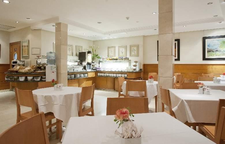 Hotel Regente - Restaurant - 35