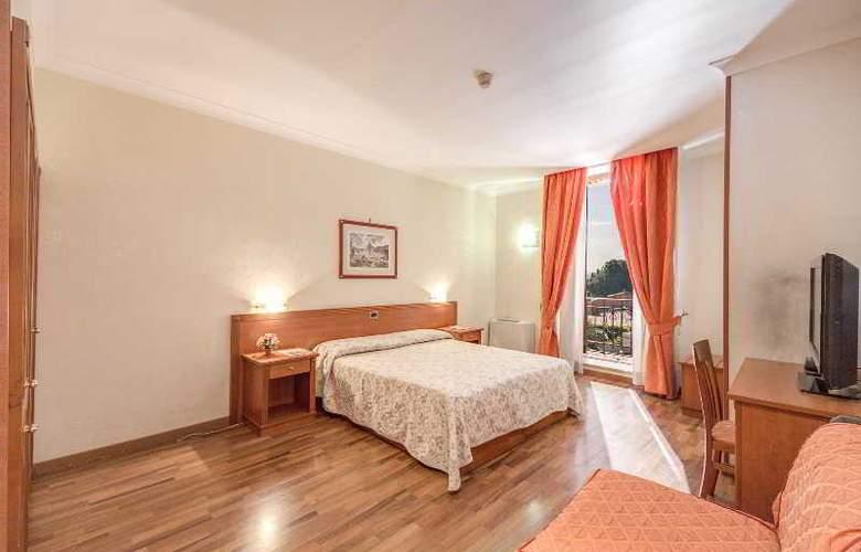 Romoli - Room - 16