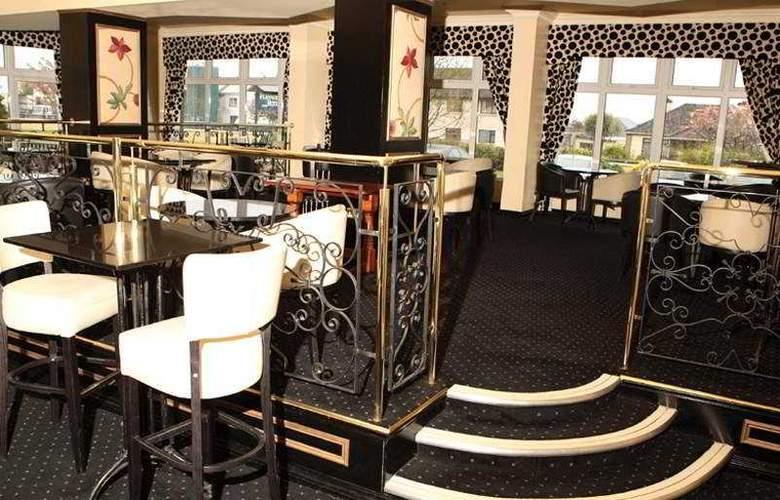 Flannerys Hotel Galway - Bar - 8