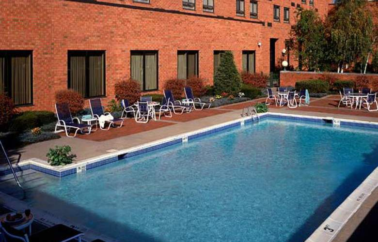 Marriott Albany - Pool - 6