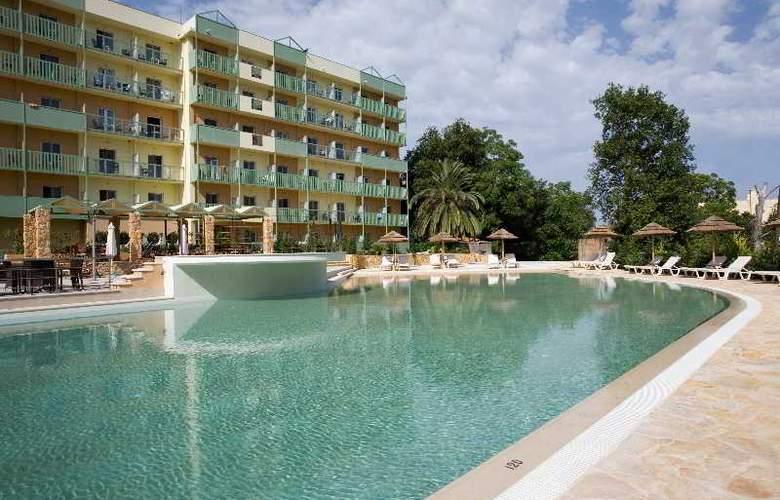 Ariti Grand Hotel - Pool - 16