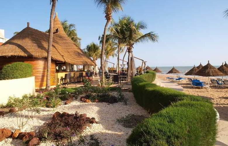 Palm Beach Hotel - Hotel - 9