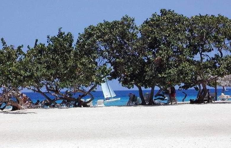 Playa Pesquero - Beach - 5