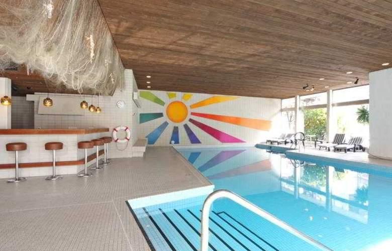 Stella Interlaken - Pool - 7