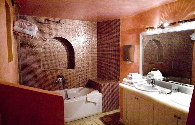 Adamis Majesty Suites - Room - 7