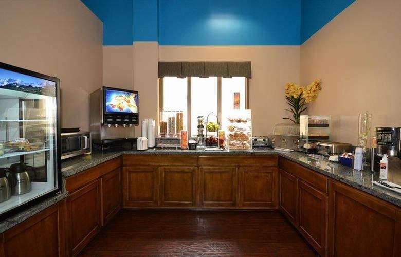Best Western Plus Suites Hotel - Restaurant - 70