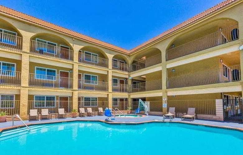 Best Western Plus Miramar - Hotel - 11