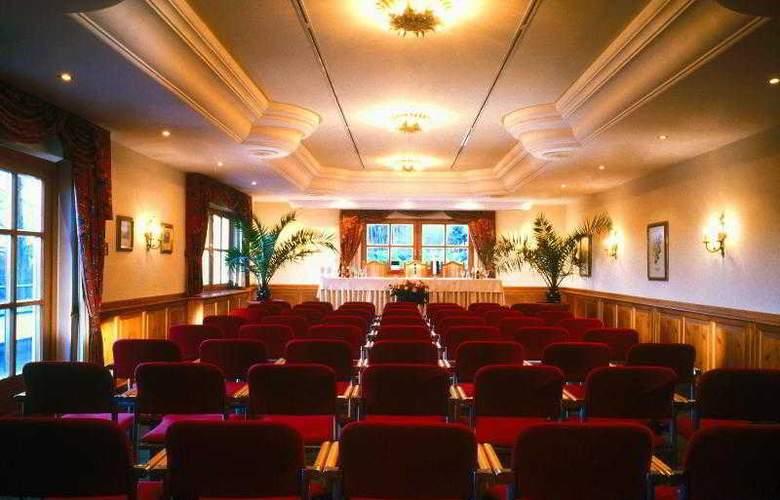 Sheraton Fuschlsee - Salzburg Hotel Jagdhof - Hotel - 8