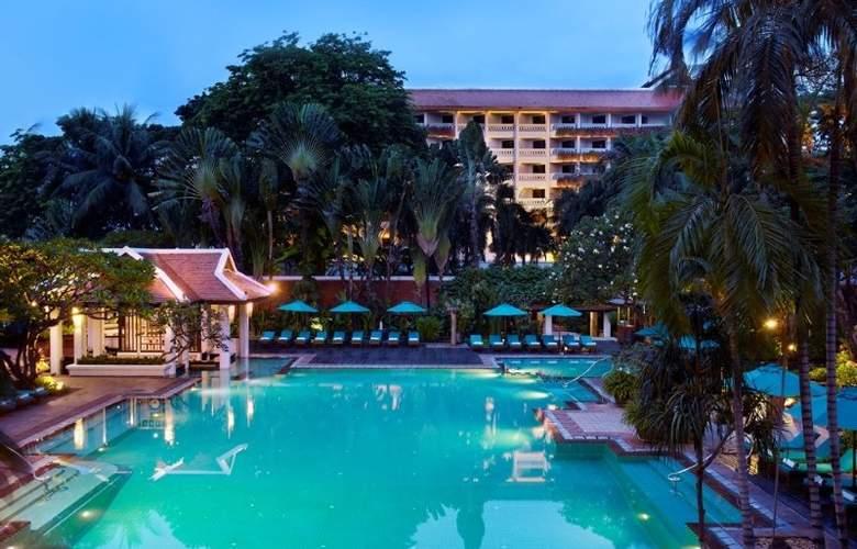 Anantara Bangkok Riverside Resort and Spa - Pool - 9