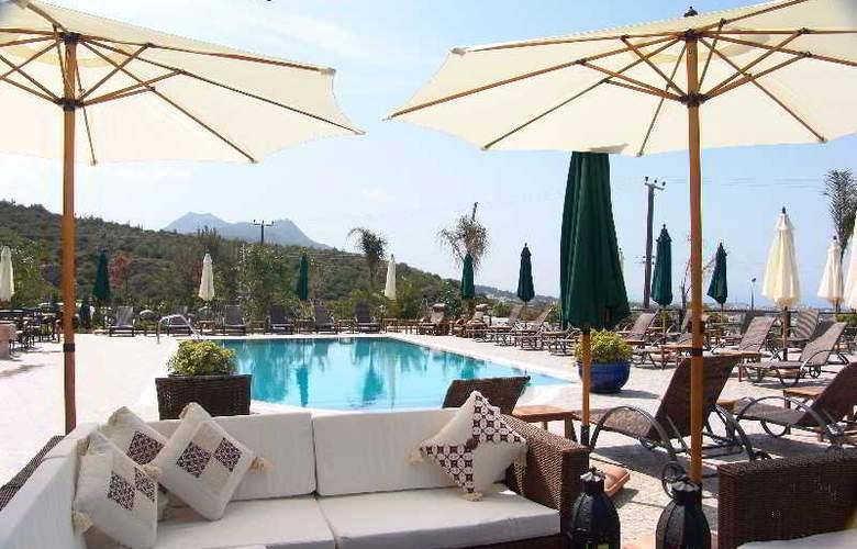 Bella View Boutique Hotel - Terrace - 9