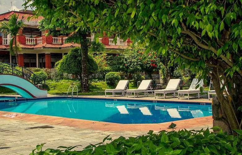 Pokhara Grande - Pool - 3